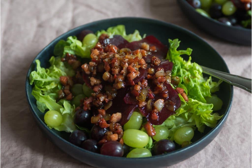 Rote Beete Carpaccio mit Salat