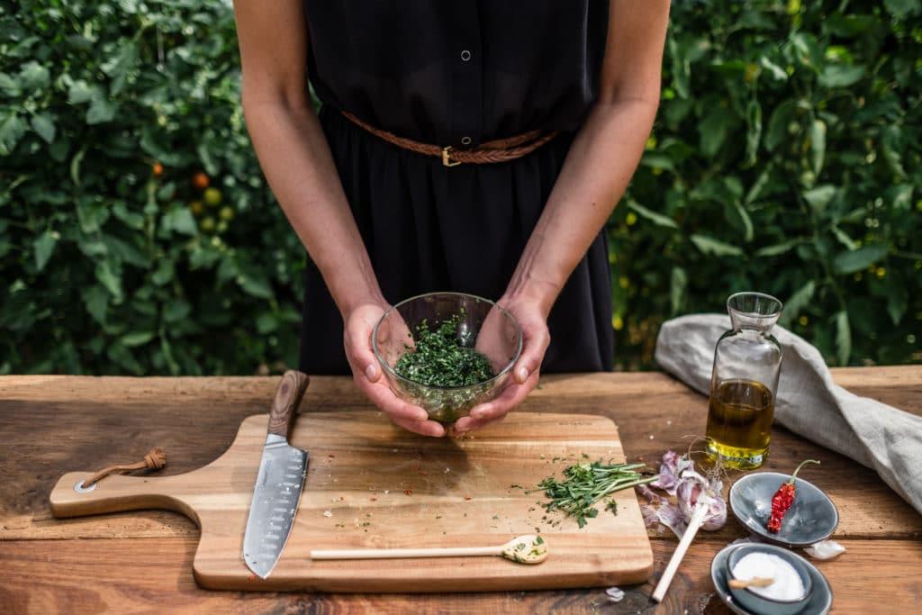 """Rezept für eine Grillsoße mit frischen Kräutern: """"Grill Gardening"""""""