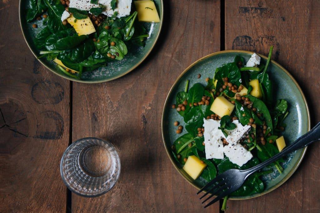 Spinatsalat – schnell, einfach und gesund