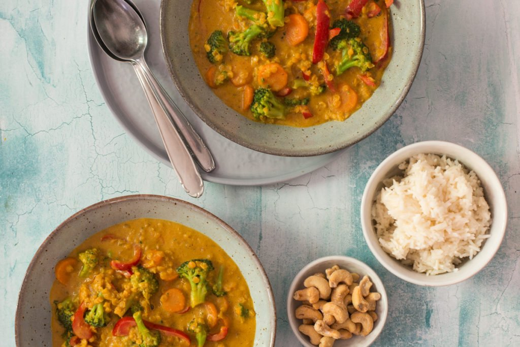 Brokkoli Curry mit roten Linsen