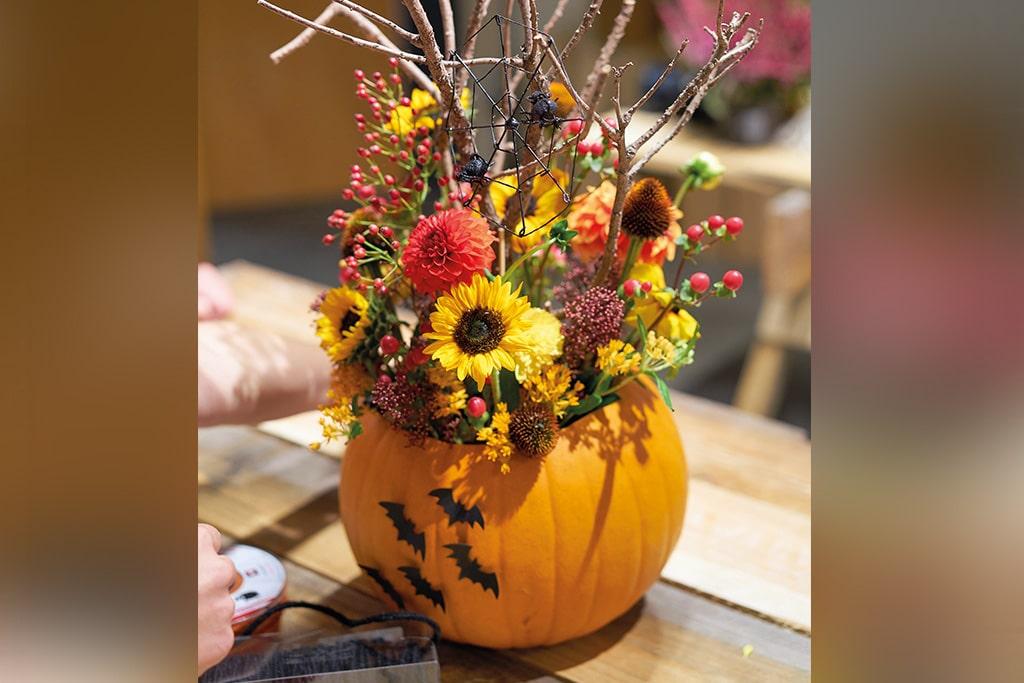 DIY Halloween Kürbis meets Schnittblumen