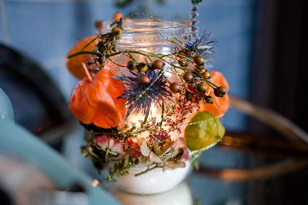 DIY Windlicht mit Blüten