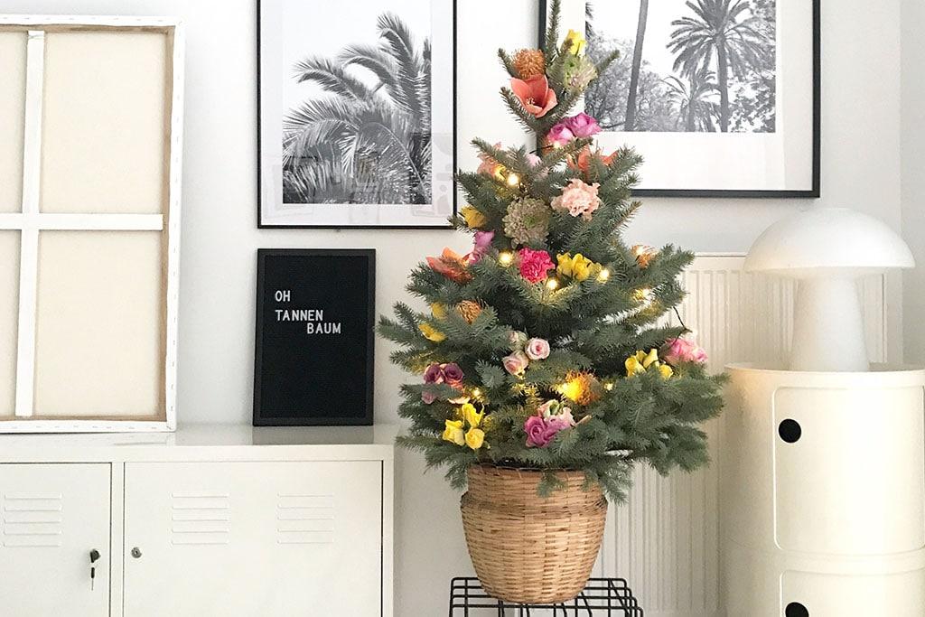 DIY Blumen Schmuck für den Weihnachtsbaum