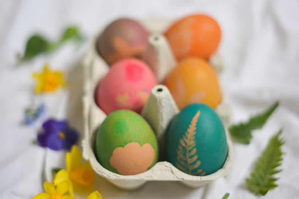 DIY Eier färben mit Blumen