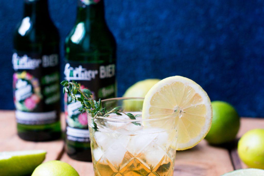 Biercocktail mit Gin