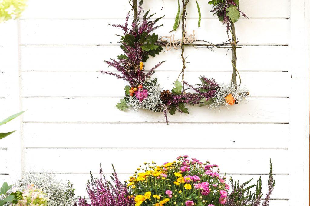 DIY Fenster aus Zweigen für die herbstliche Jahreszeitendeko
