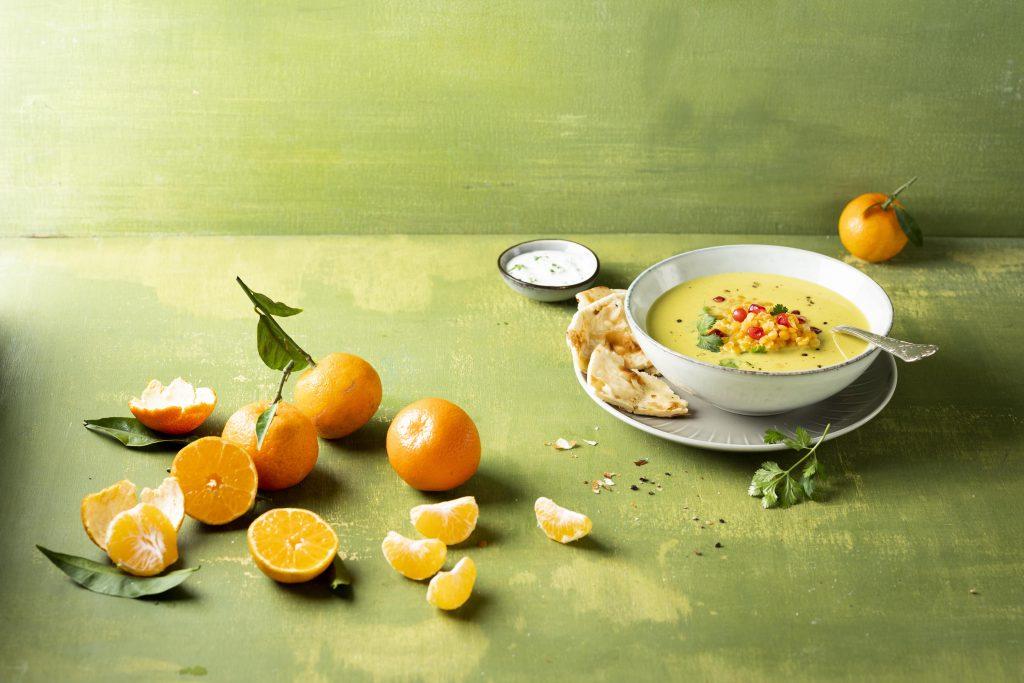 Orientalische Linsensuppe mit Mandarine