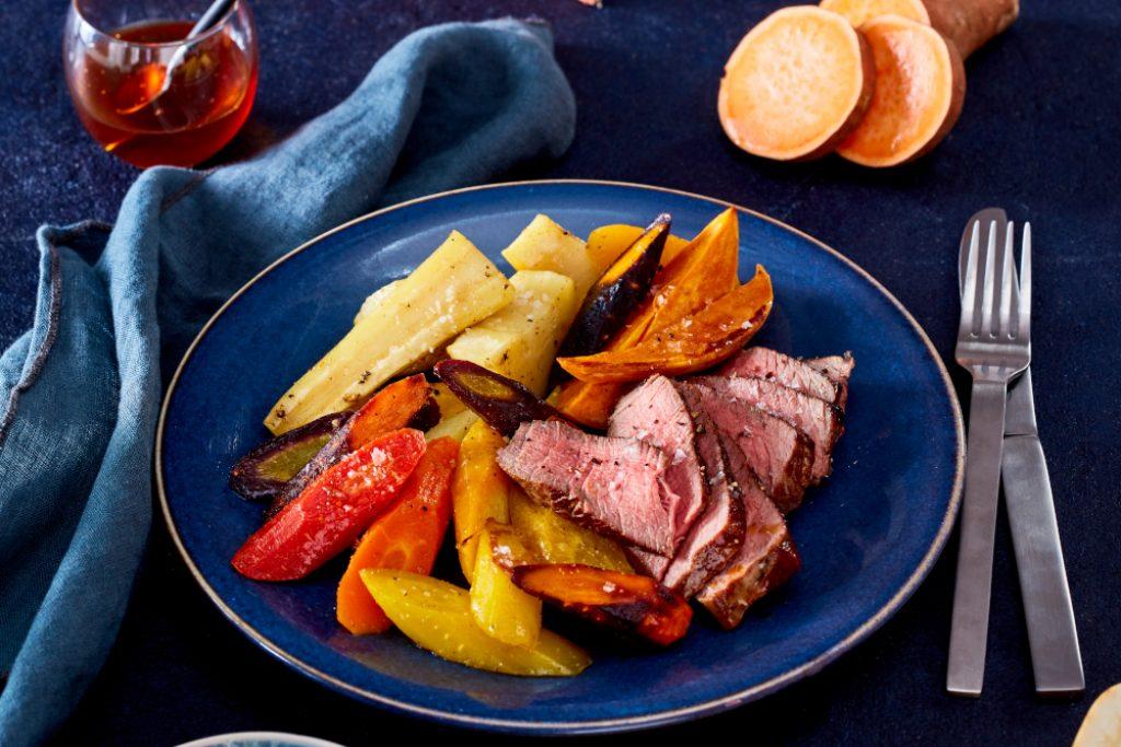 Filetsteak mit Winter-Ofengemüse und Orangen-Chutney