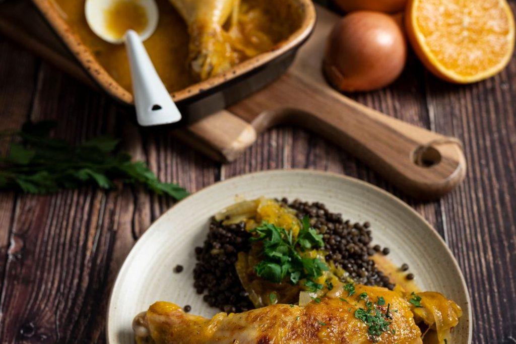 Hähnchenschenkel in Orangen-Curry-Soße