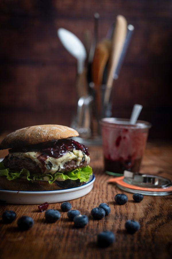 Burger_Blaubeer_BaconJam_1_webseite