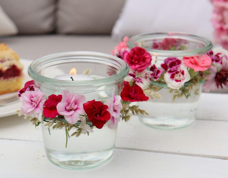 DIY - Windlichter mit Blumen verzieren - wundervolle, sommerliche Dekoidee (1)